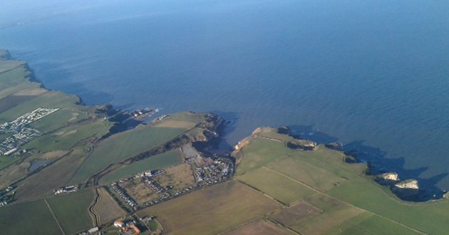 GS-flying-Scarborough-cliff