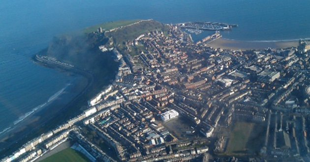 GS-flying-Scarborough-town